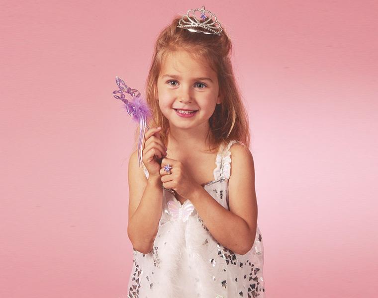 детские прически на средние волосы надеть корону